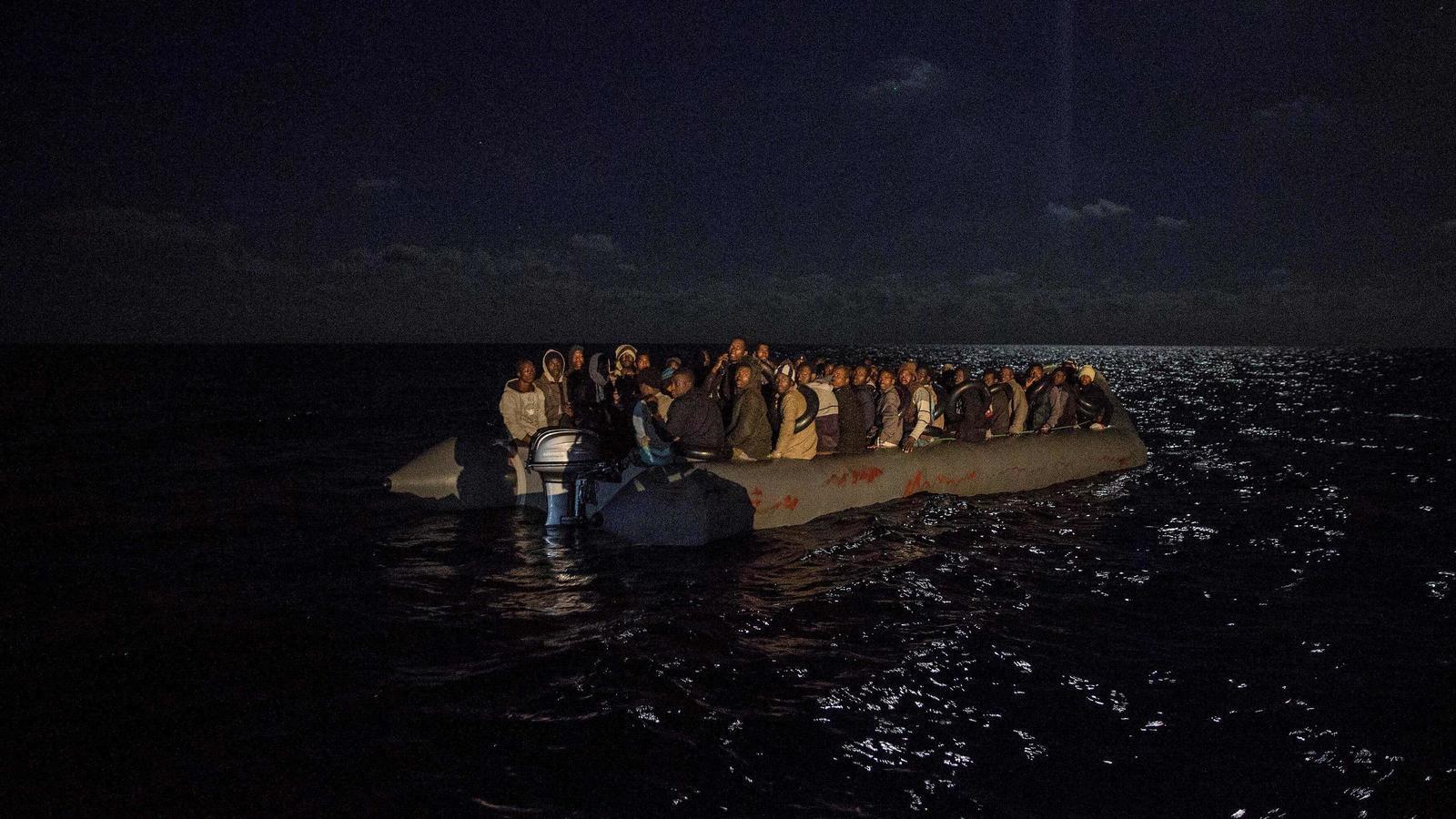 L''Open Arms' desembarcarà a Algesires els migrants rescatats