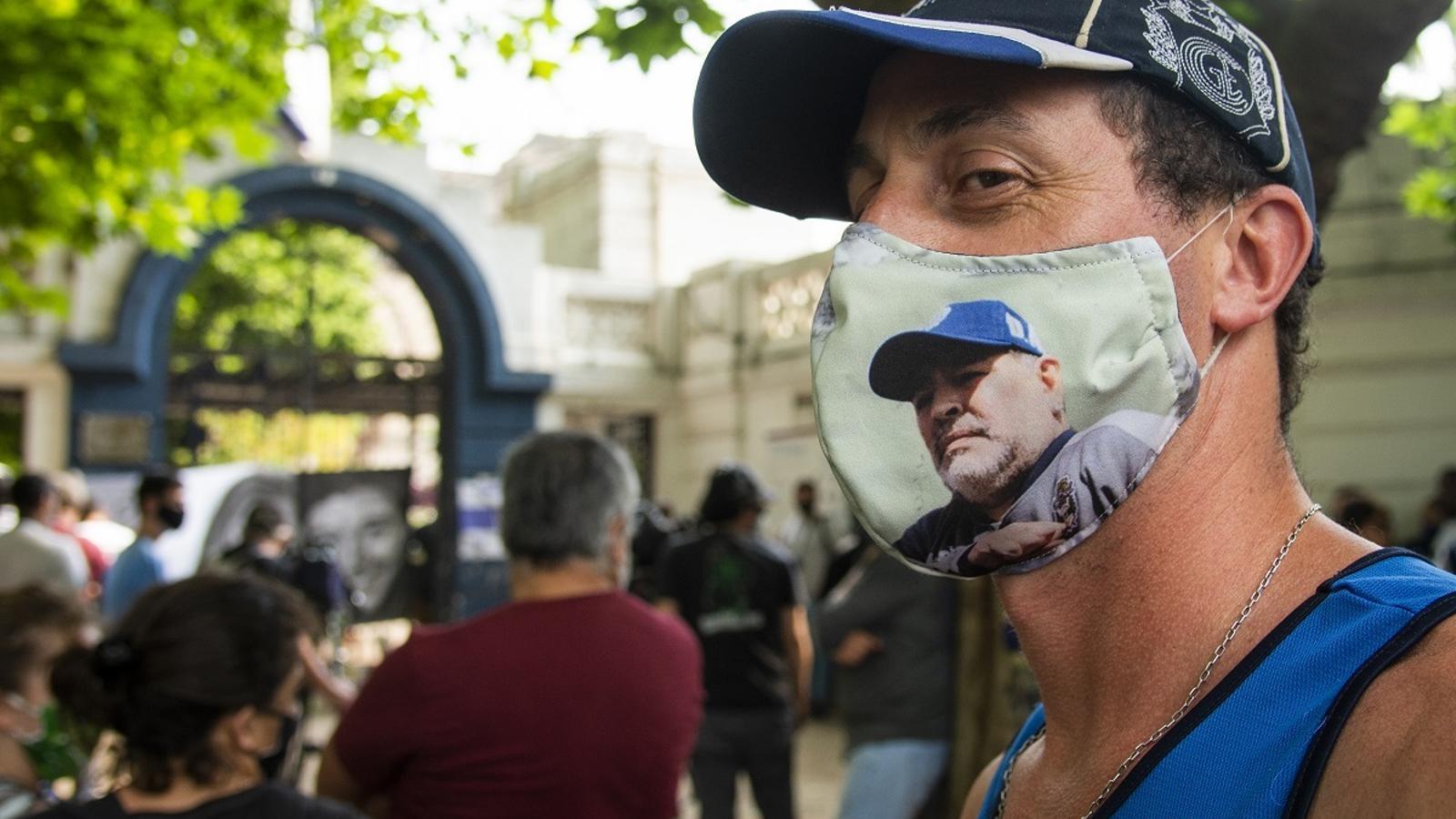 Un aficionat, recordant Maradona a Buenos Aires