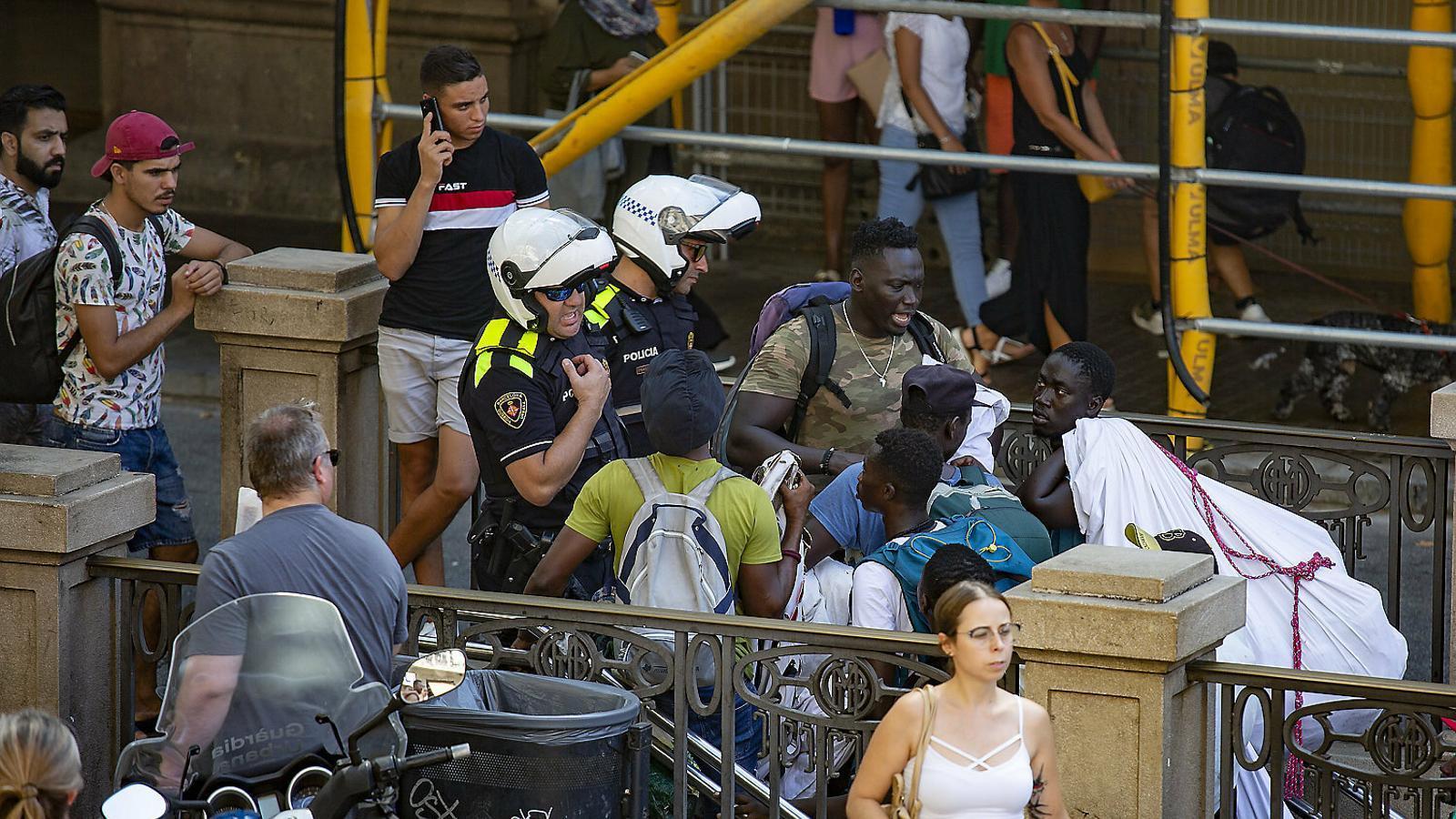 De Colau a Batlle: el canvi en l'estratègia policial de Barcelona