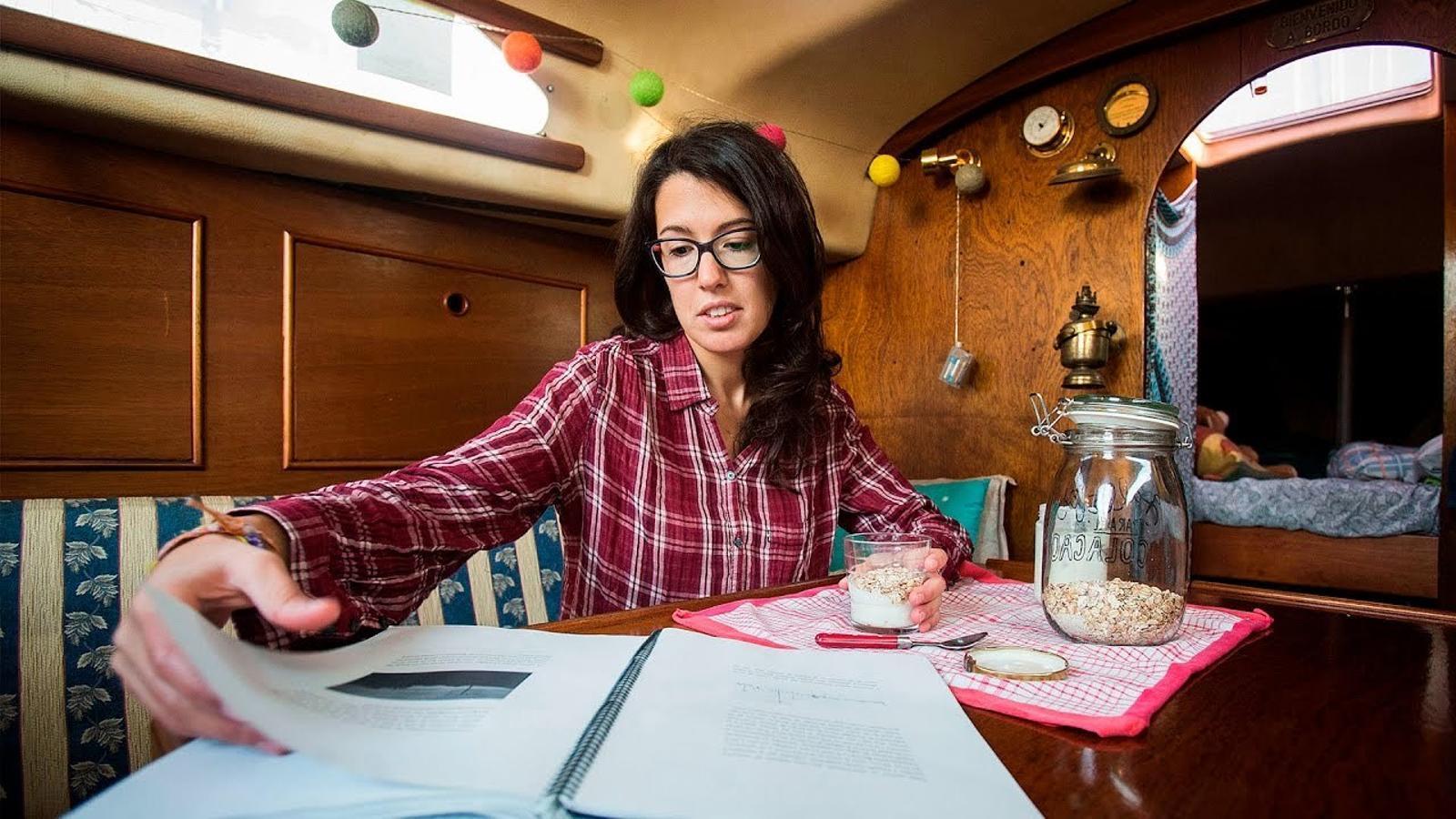 Com és viure en un veler al Port de Barcelona?