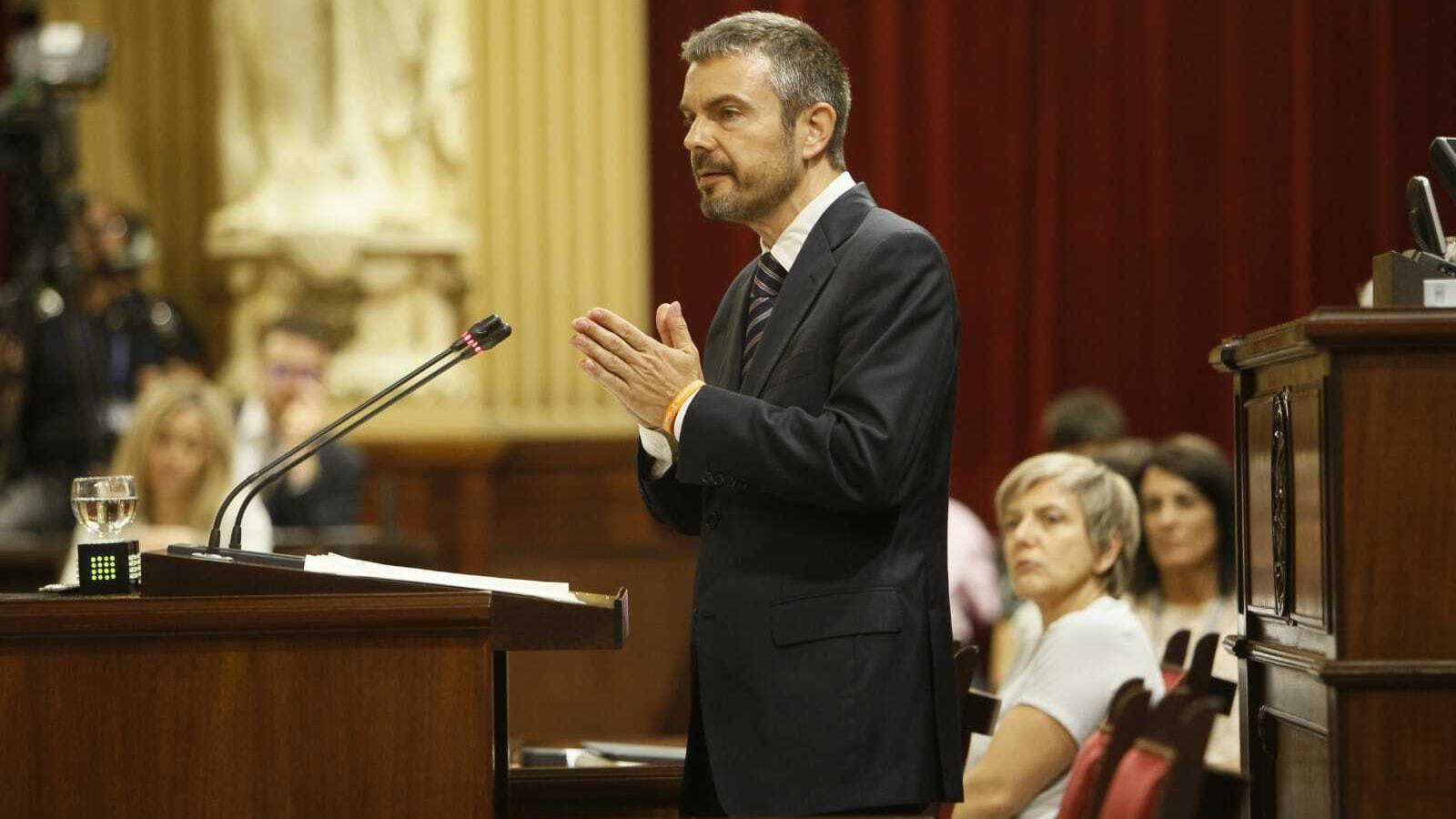 El portaveu de Ciutadans, Marc Pérez-Ribas, durant la seva intervenció en el debat d'investidura