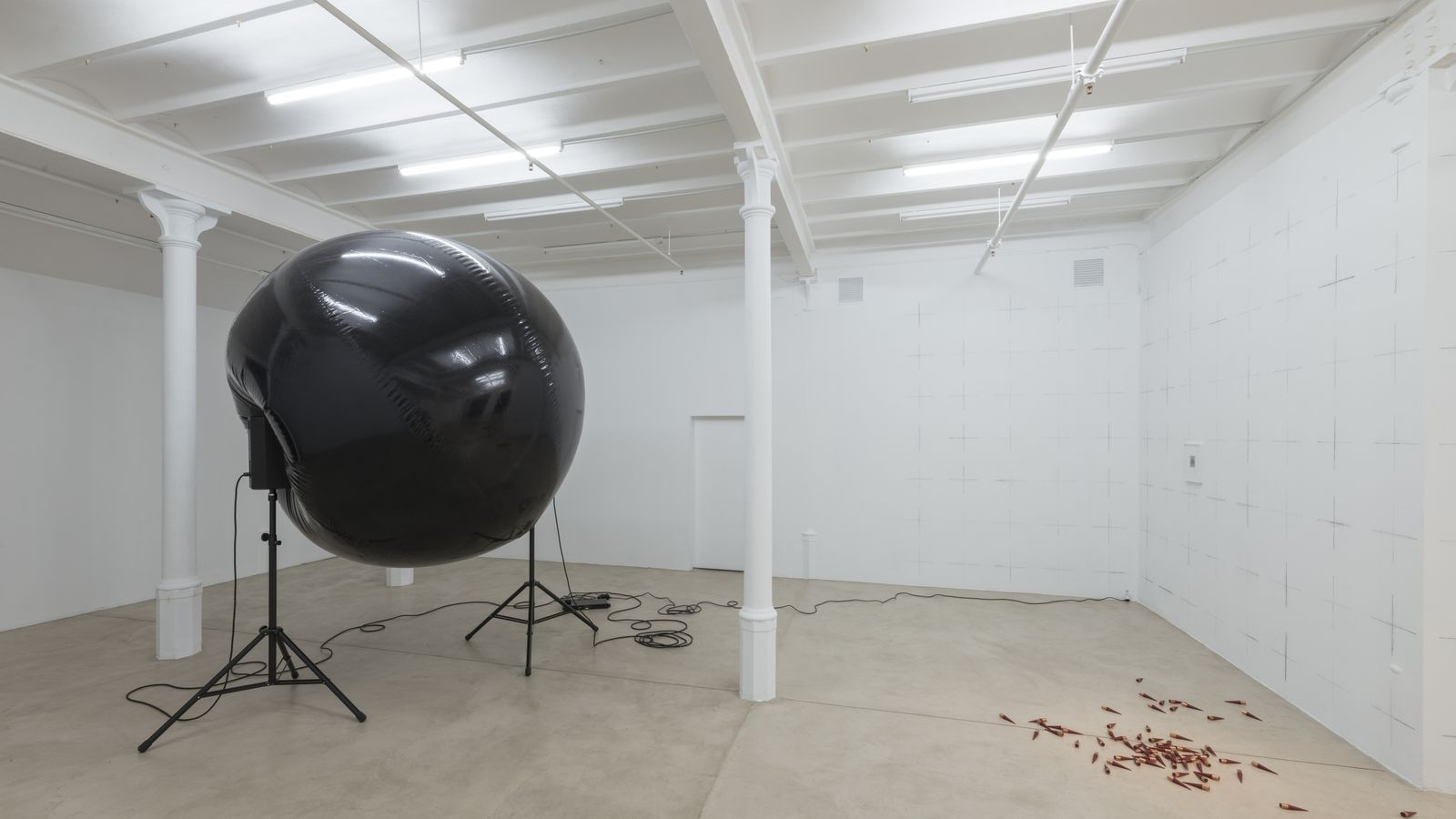 La galeria Blueproject Foundation amb les obres de Serj