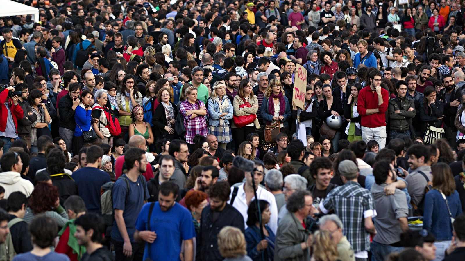 Multitud a la plaça Catalunya