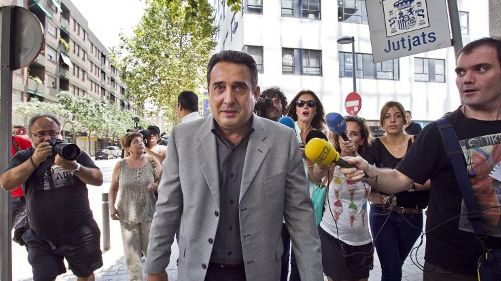 El TSJC condemna Manuel Bustos i Daniel Fernández a un any i quatre mesos de presó per tràfic d'influències