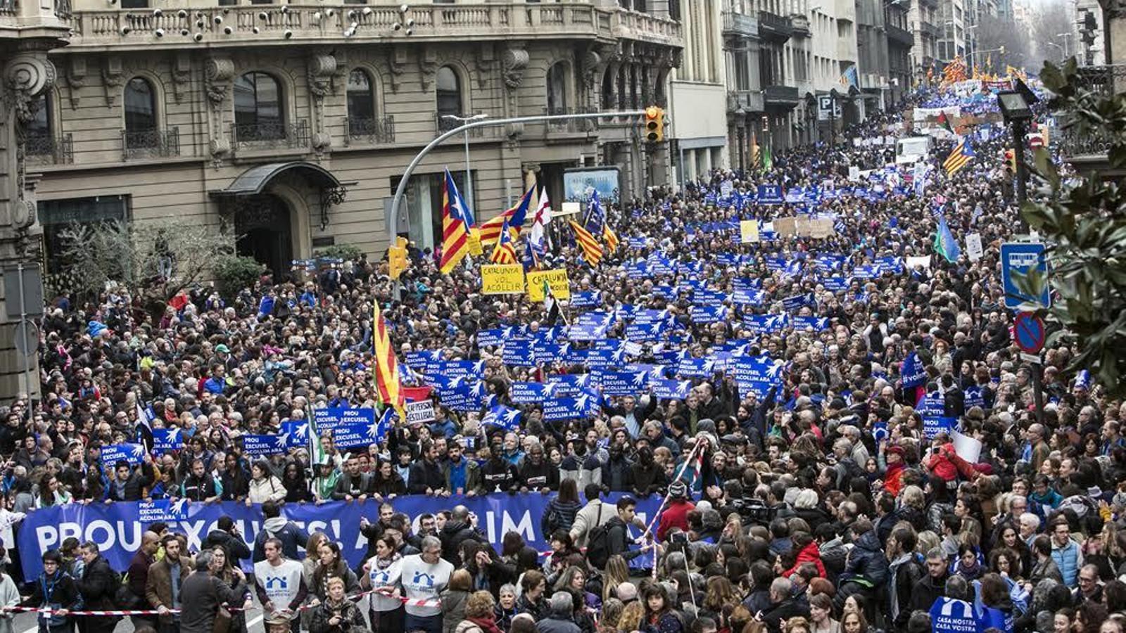 Milers de persones participen en la manifestació