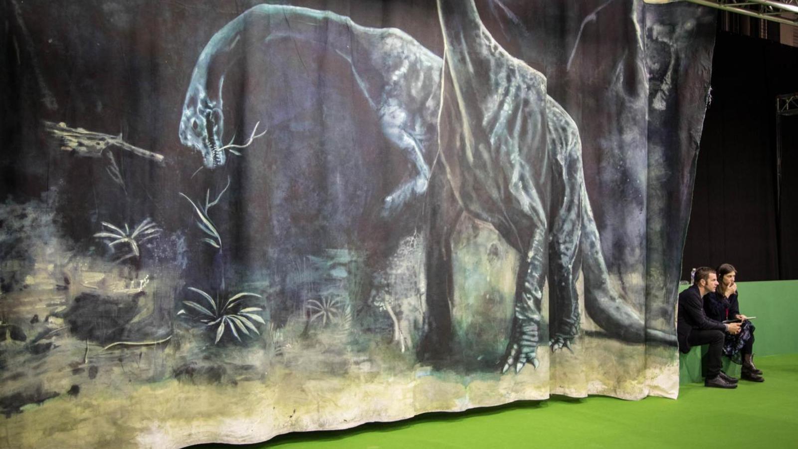 Dos dinosaures protagonitzen l'obra d'Hugo Canoilas a l'exposició d'Arco sobre el futur