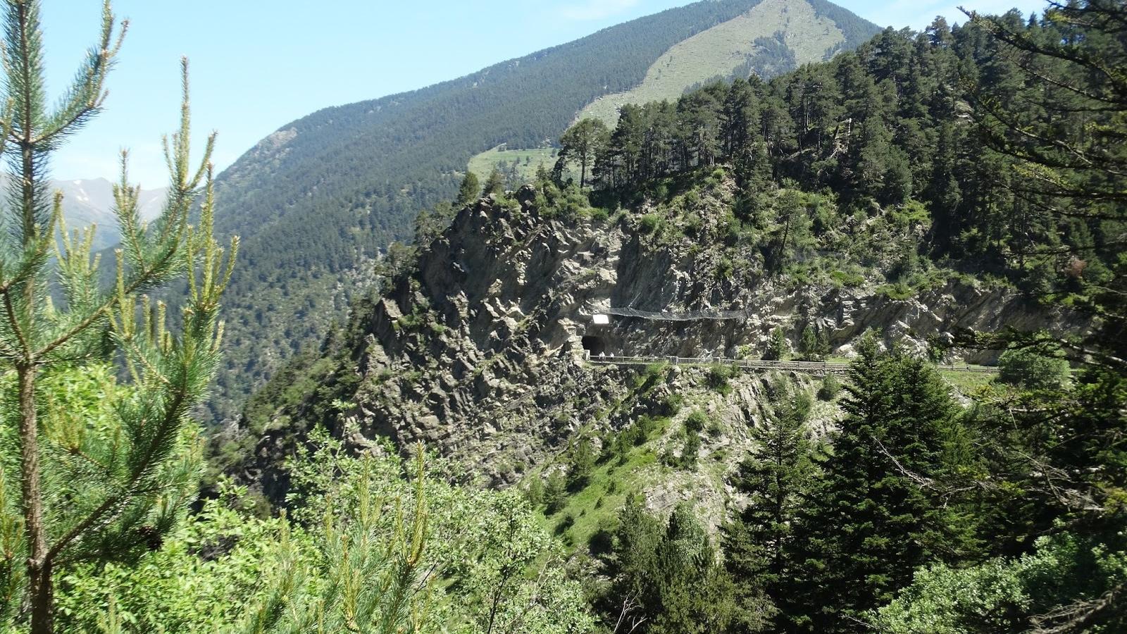 Sortida del túnel del camí de les Pardines. / Petita Muntanya