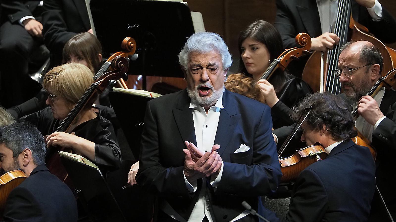 Plácido Domingo en   Un moment  Del recital al  Gran Teatre del Liceu.