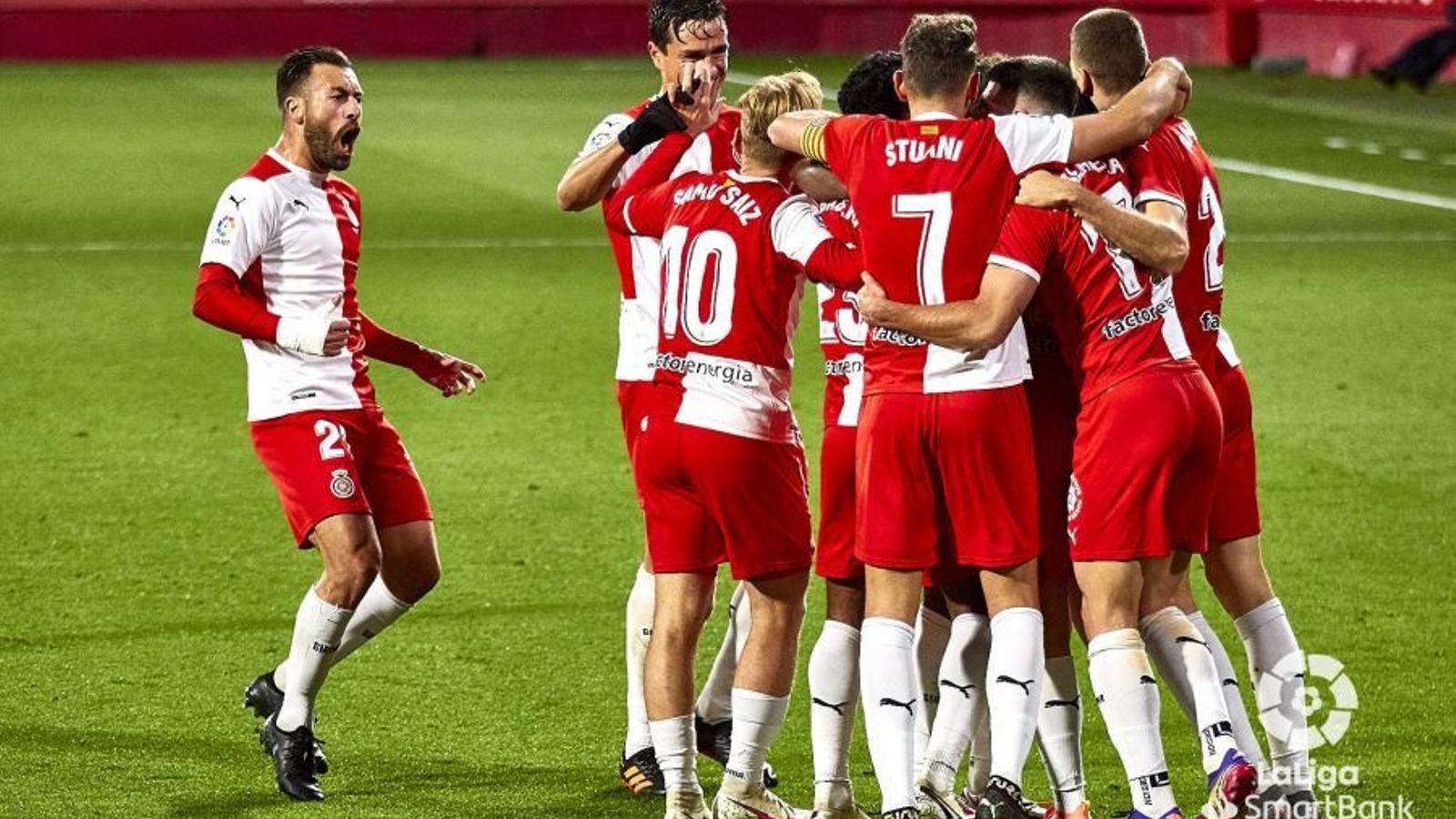Els jugadors del Girona, celebrant el gol de la victòria