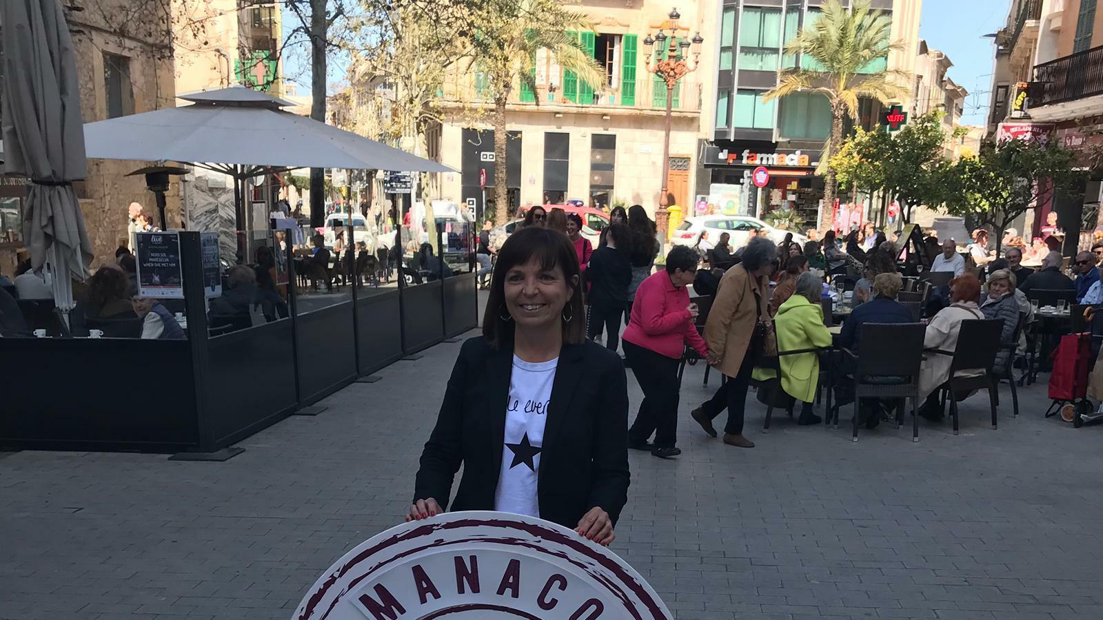 Catalina Riera, a la plaça de sa Bassa de Manacor.