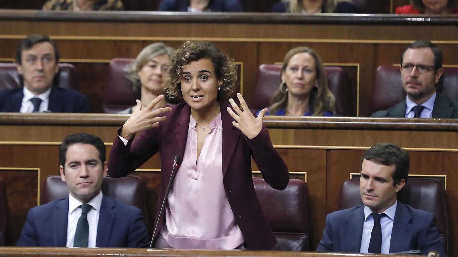 Sectors del PP demanen cessar de portaveu Dolors Montserrat