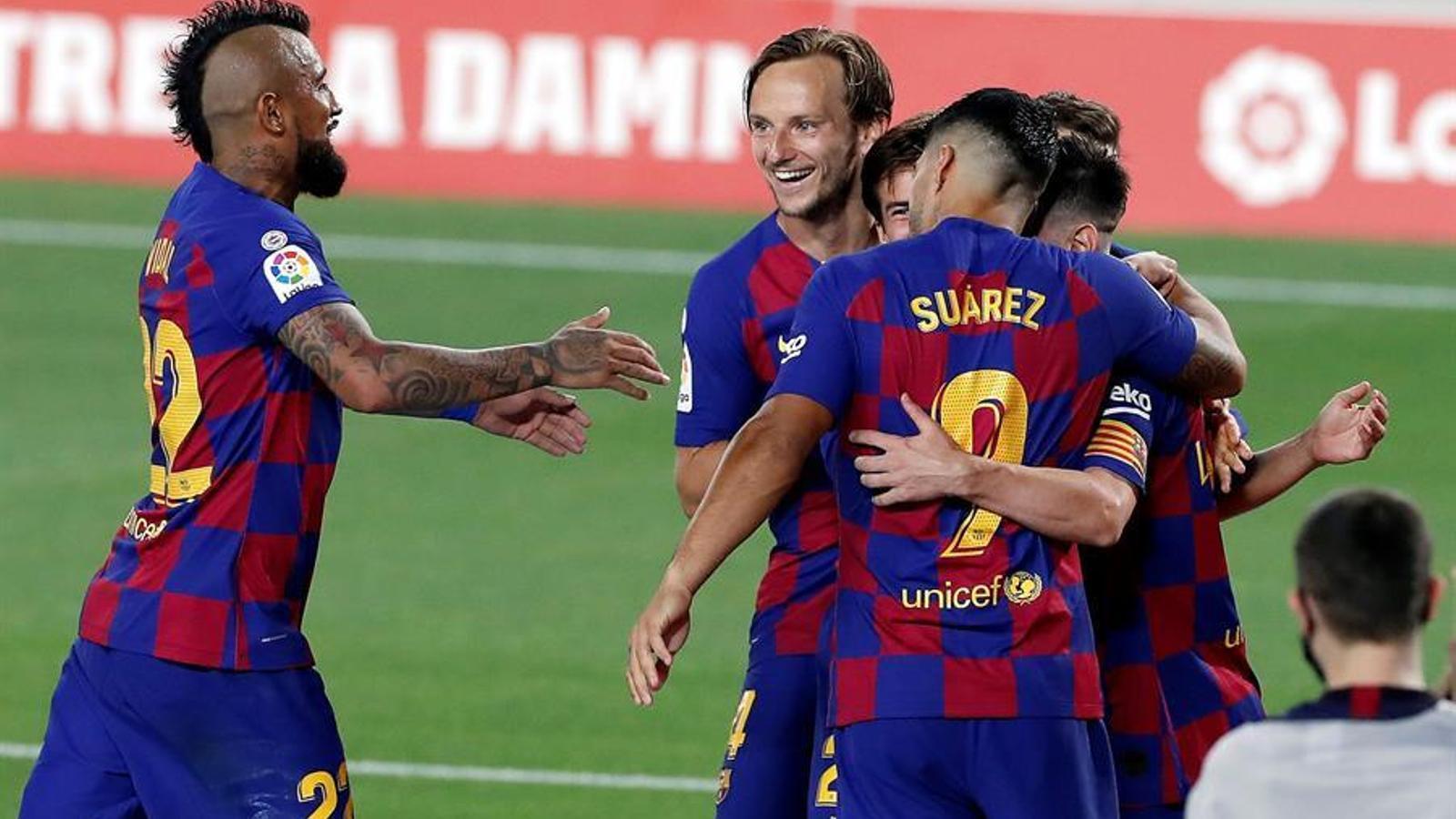 Ni la ràbia salva el Barça d'un lent descens als inferns