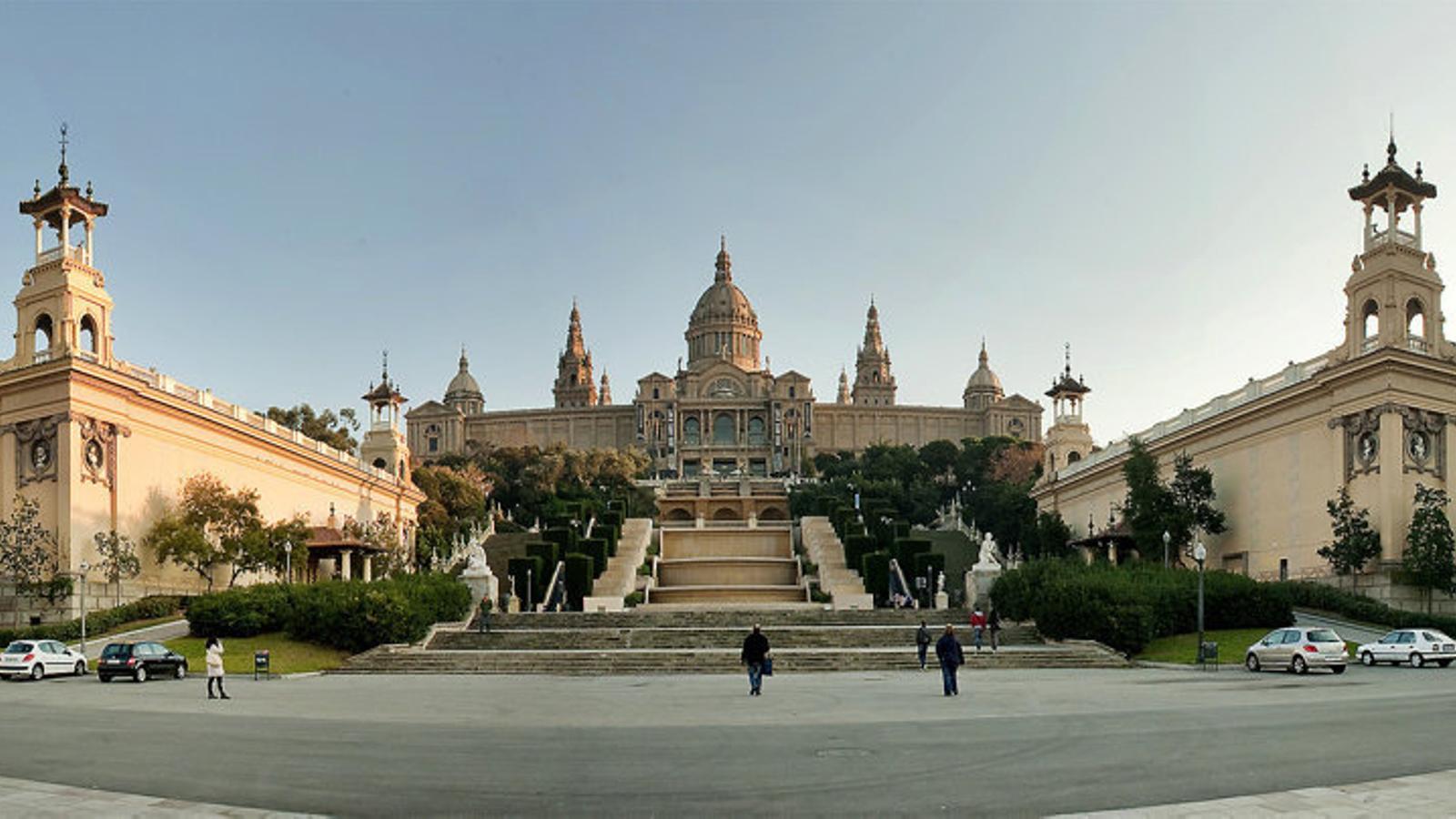 Barcelona allotjarà persones vulnerables al recinte de la Fira i en pisos turístics