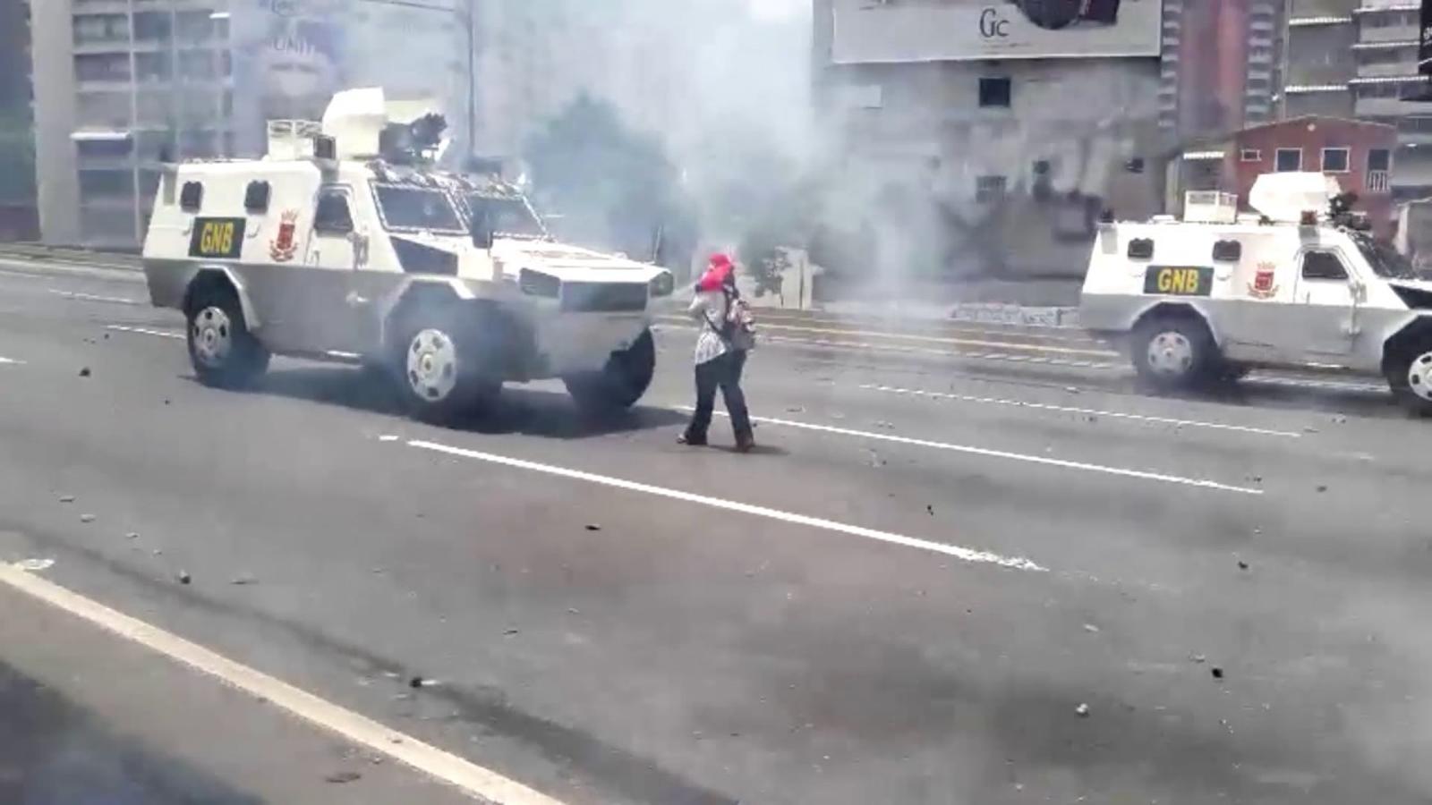 Tres morts a les protestes anti i pro chavisme a Veneçuela
