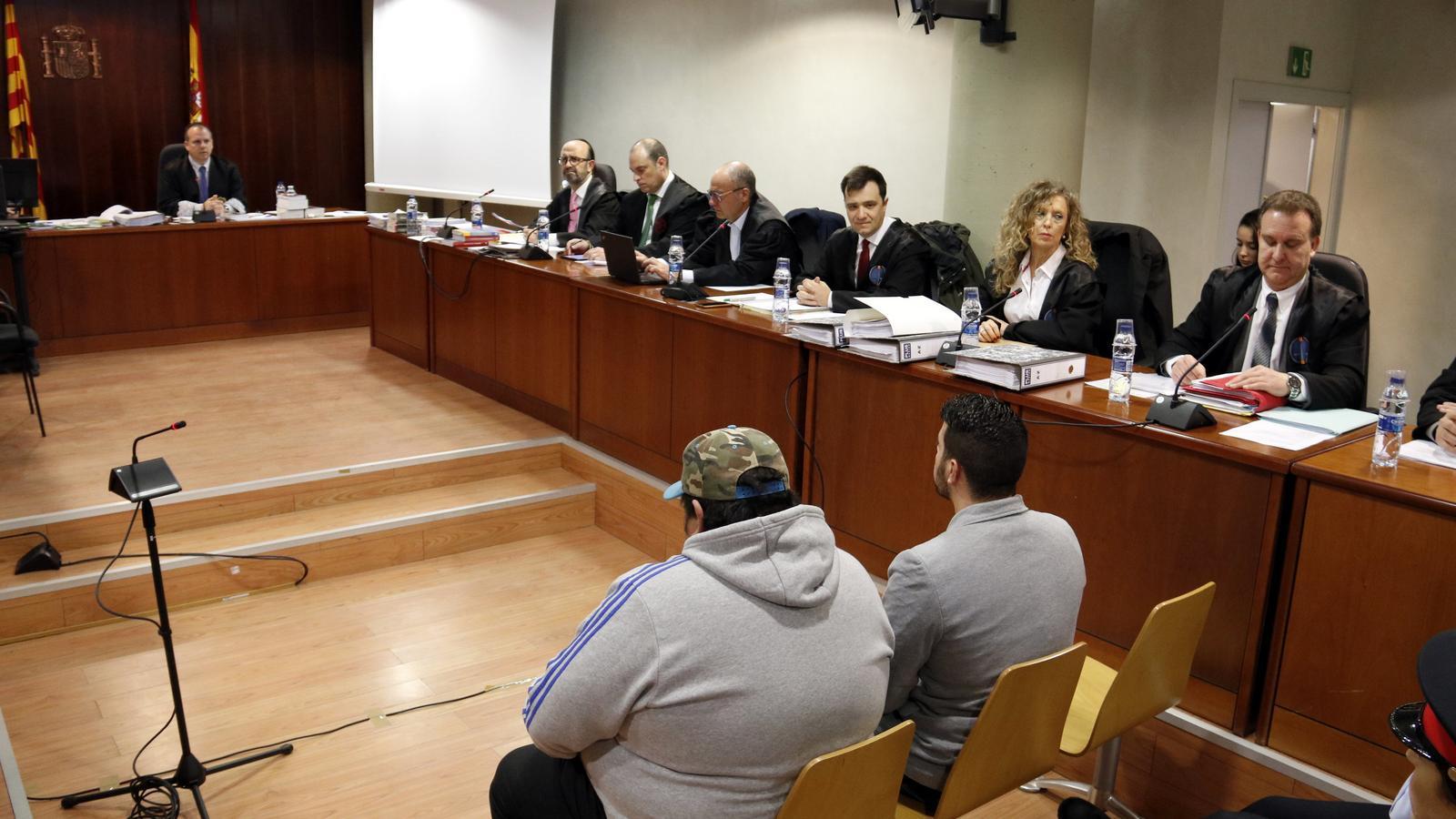 L'acusat pel doble crim d'Aspa llegeix una carta a les famílies en què els demana perdó fins a deu vegades