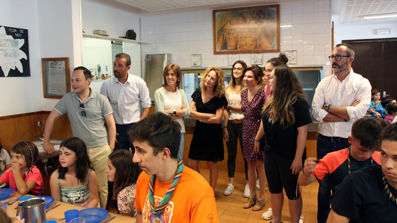 Part de l'executiu visita la casa de colònies Aina. / M. P. (ANA)