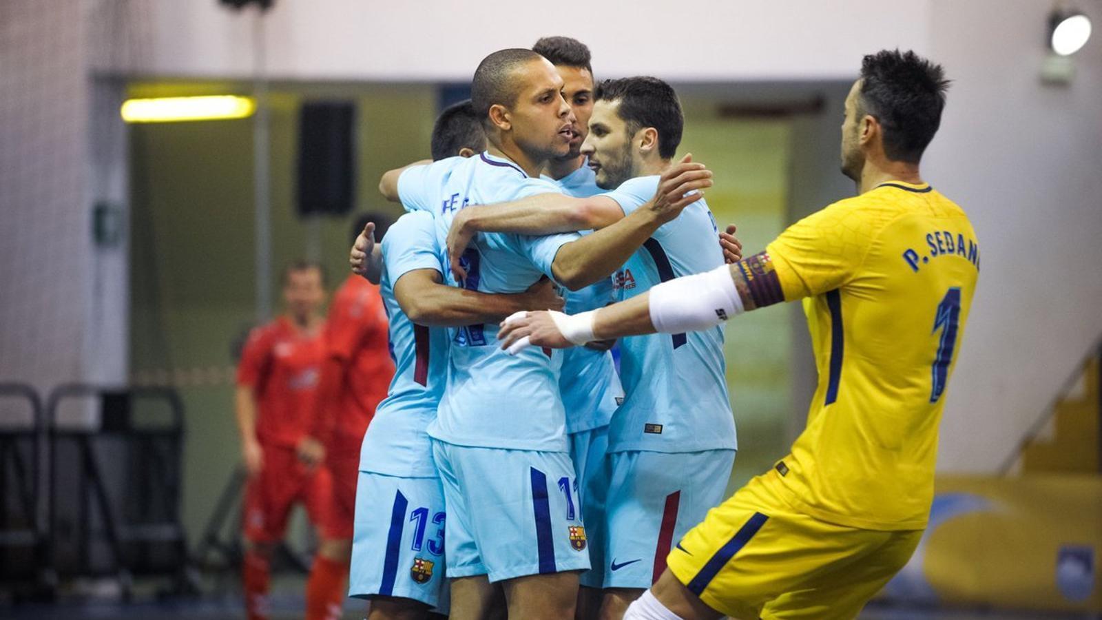 Els jugadors del Barça celebrant un dels gols en la victòria davant l'Ekonomac serbi