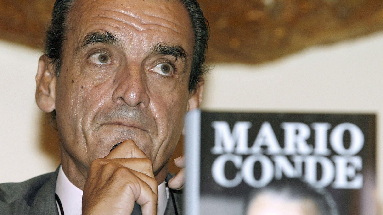 Mario Conde, en una imatge d'arxiu durant la presentació d'un dels seus llibres.