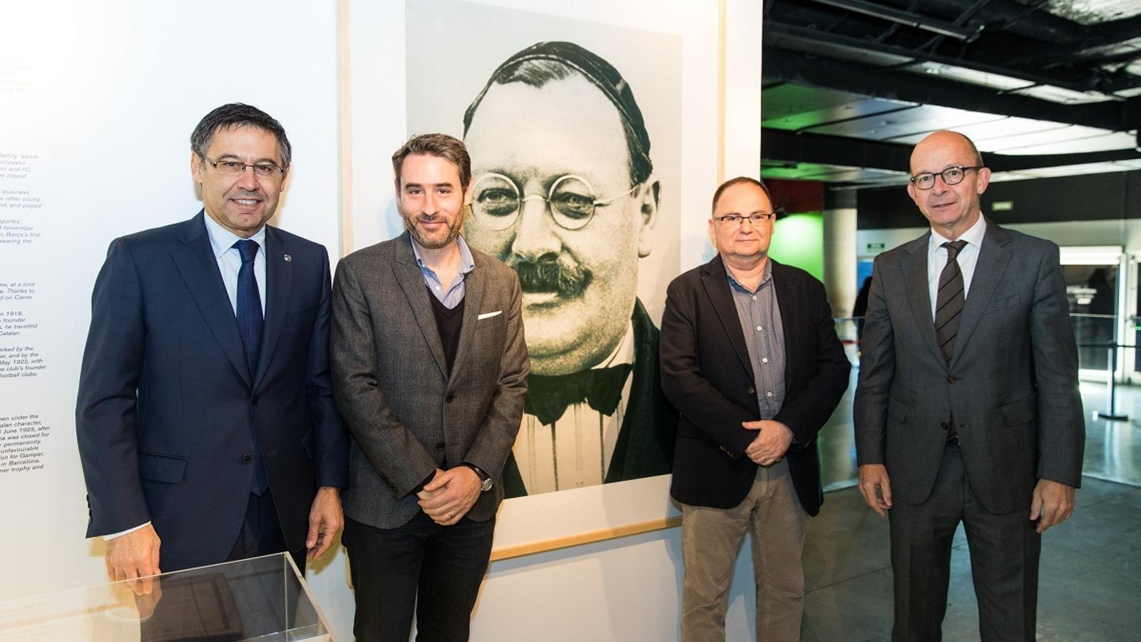 Josep Maria Bartomeu i Jordi Cardoner, entre els productors del documental 'Gamper, l'inventor del Barça', a l'Espai Gamper del Museu del club