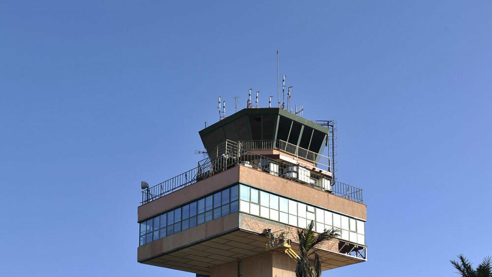 Els treballadors reclamen la construcció de la nova Torre de Control convencional per a complementar el Sistema Remot.