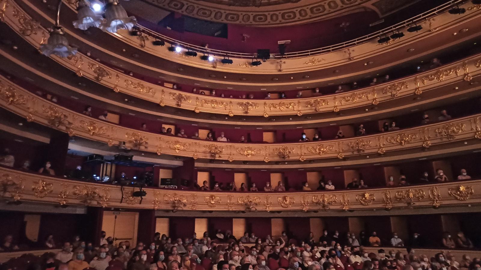 Platea del Teatre Principal durant el I Festival d'Estiu, Fila U