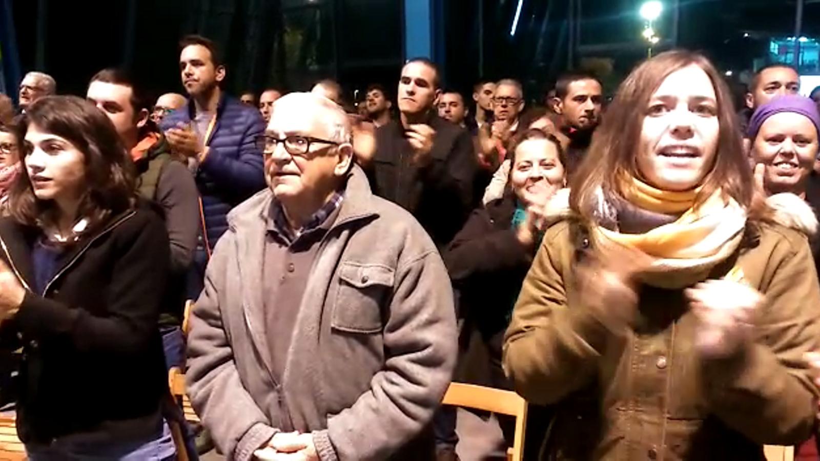 Crits de llibertat en el tancament del míting d'ERC a Sant Carles de la Ràpita