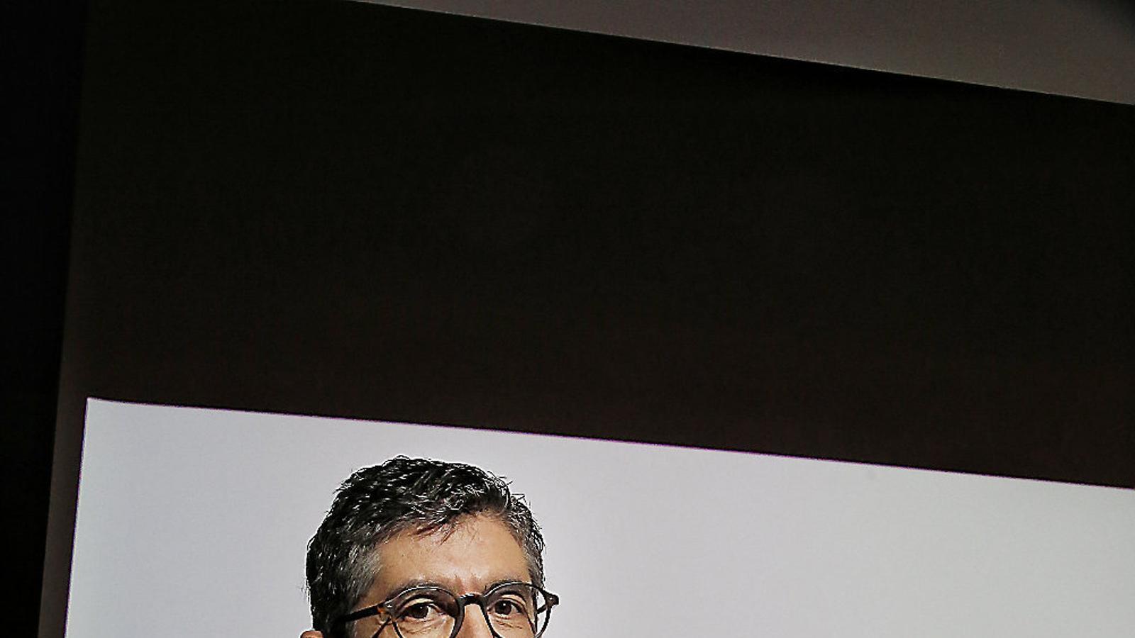 L'economista Fernando Trias de Bes ha impulsat l'estudi, anomenat Refem Empresa, Refem Catalunya, amb enquestes a 123 directius.