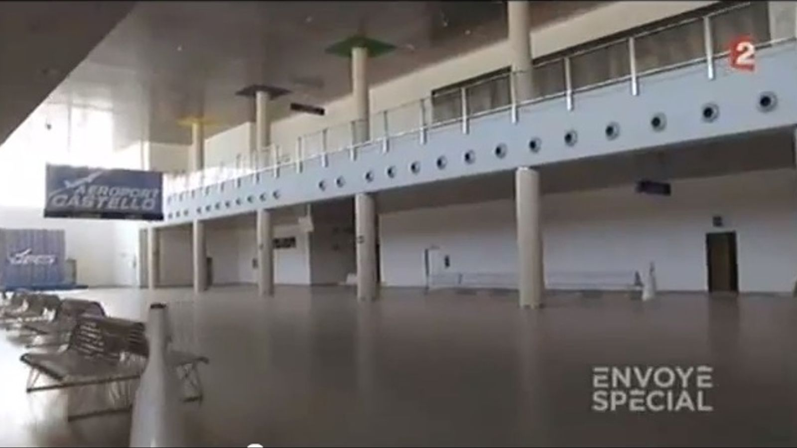 Reportatge de la televisió France 2 sobre l'aeroport de Castelló: És un aeroport que està buit, com el Museu del Louvre a la nit