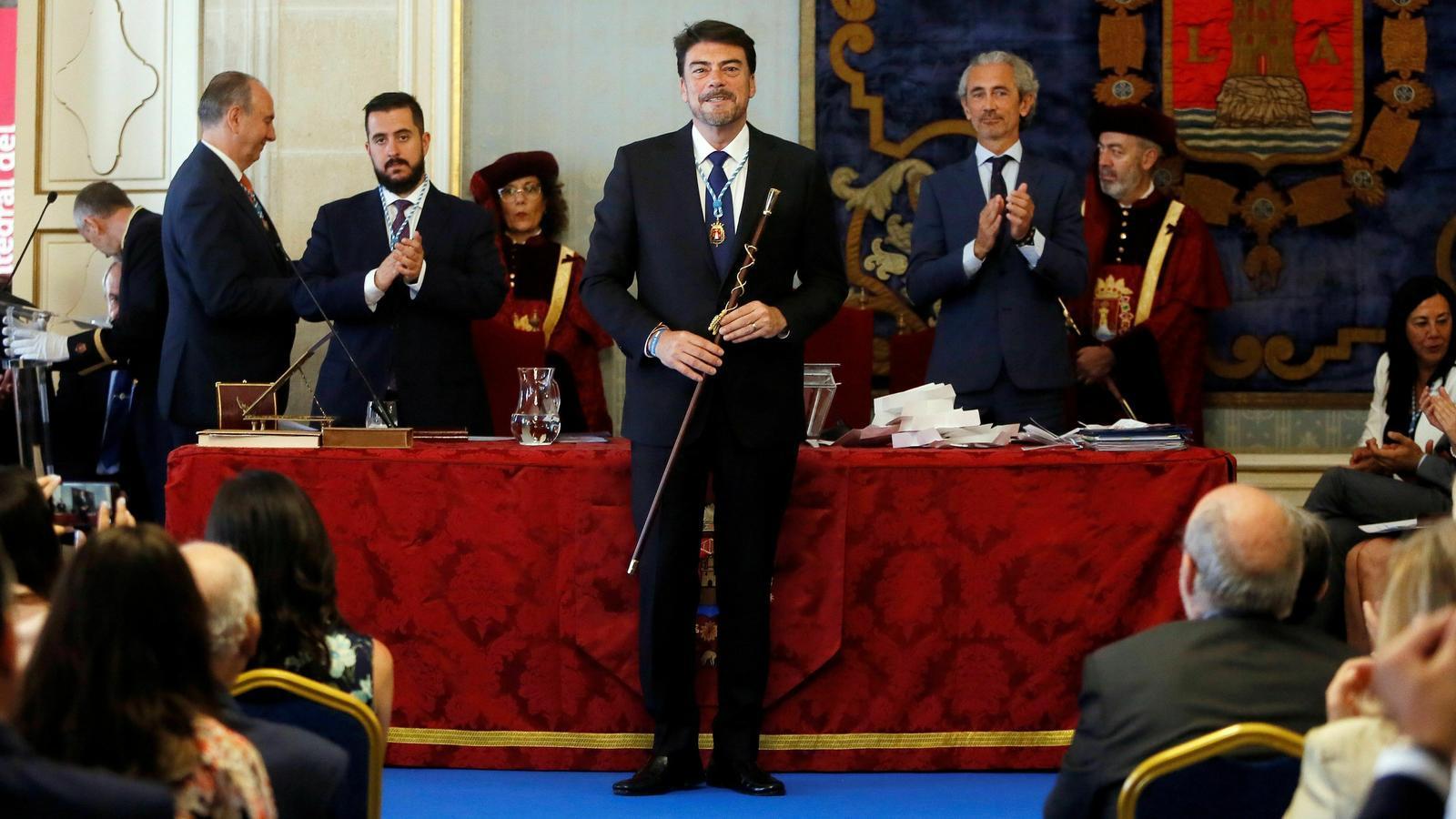 El dirigent del Partit Popular, Luis Barcala, en la seva reelecció com alcalde d'Alacant