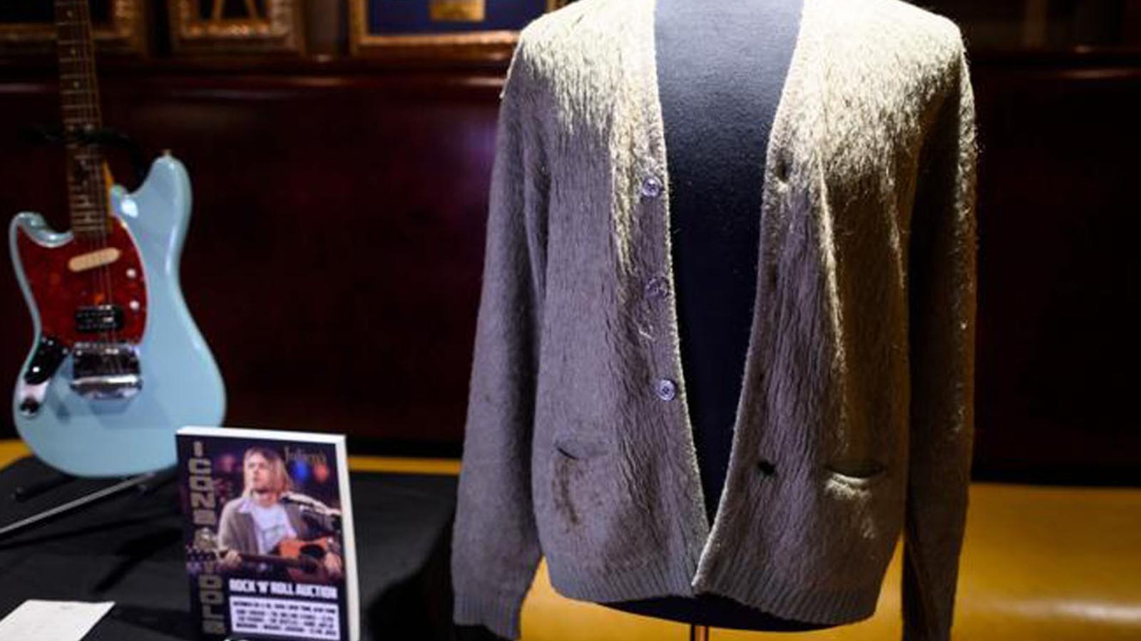 El famós jersei de Cobain. / JOHANNES EISELE / AFP