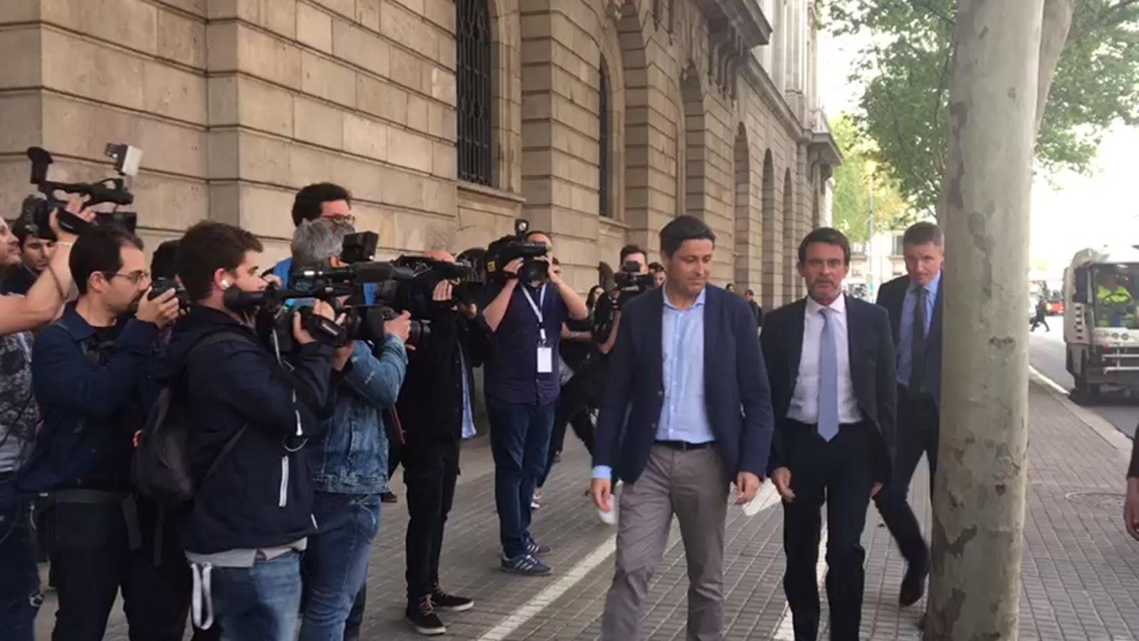 Manuel Valls arribant a la Llotja de Mar