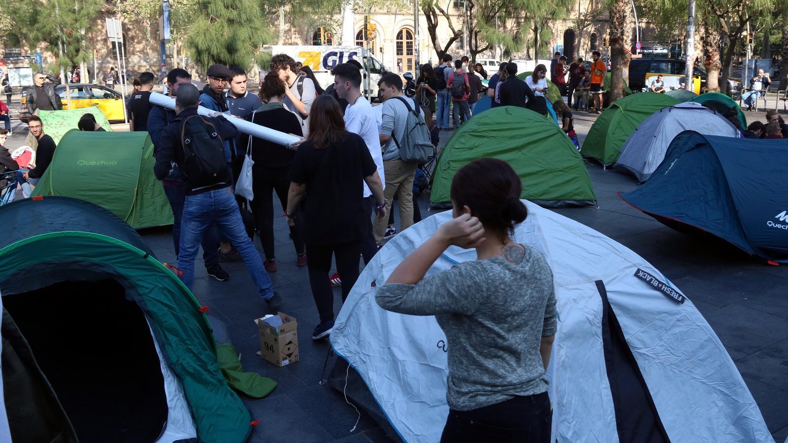 Els estudiants comencen una acampada indefinida a Barcelona contra la repressió
