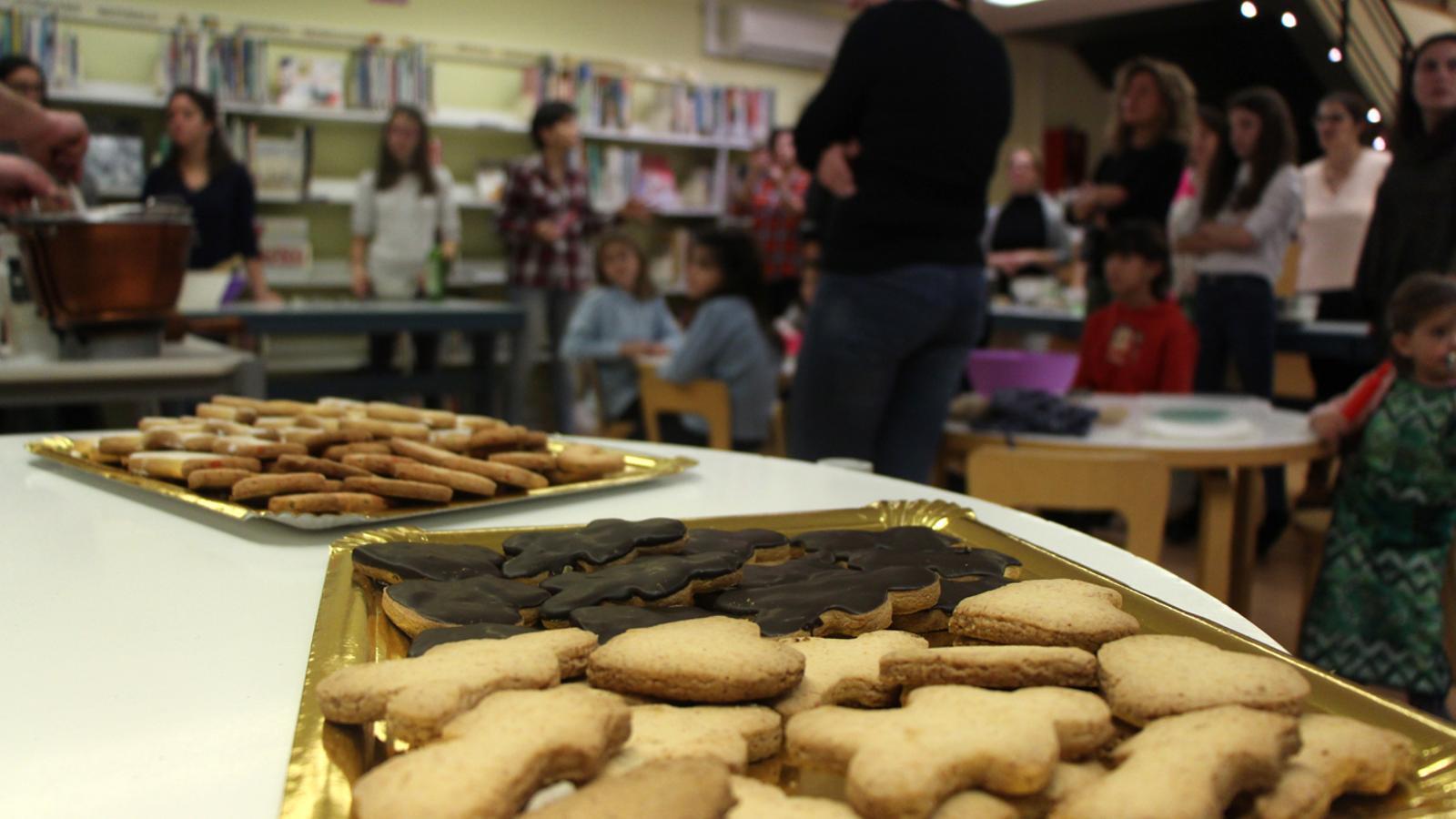 Així quedaran les galetes quan els assistents les posin al forn. / M. M. (ANA)