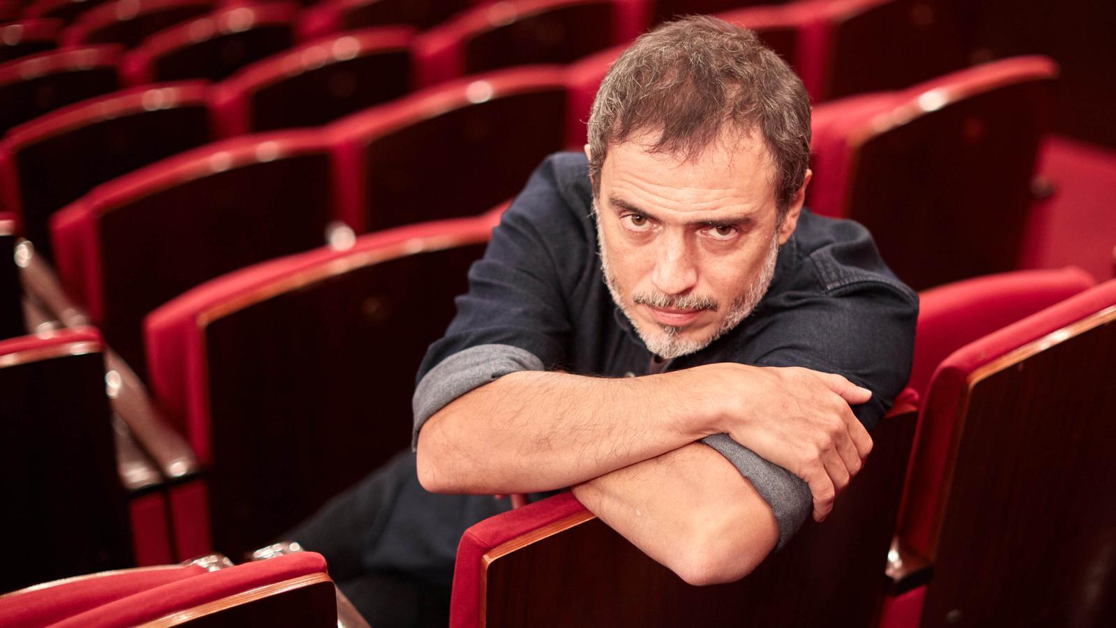 """Julio Manrique: """"Ara el teatre és perillosament precari"""""""