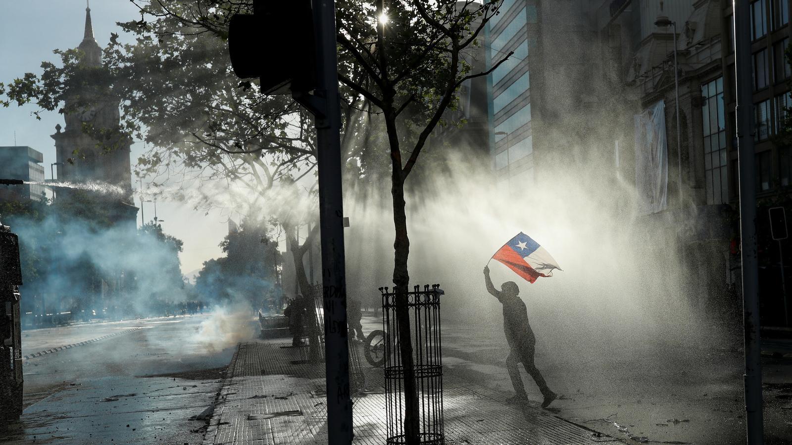 Xile cancel·la la cimera pel canvi climàtic a causa de les protestes que hi ha al país