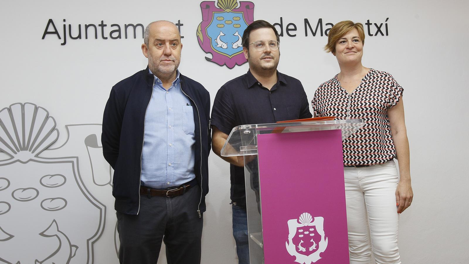 Miquel Cabot (centre), J.Francesc Canyelles i Neus Serra, principals representants de l'equip de govern. / IMATGE D'ARXIU