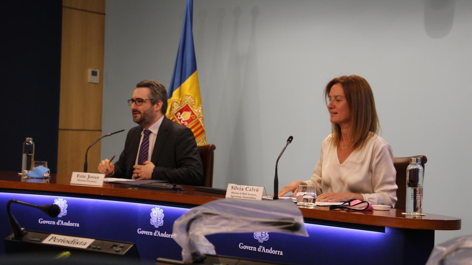 El ministre portaveu, Eric Jover, i la ministra de Medi Ambient, Agricultura i Sostenibilitat, Sílvia Calvó. / A.S. (ANA)