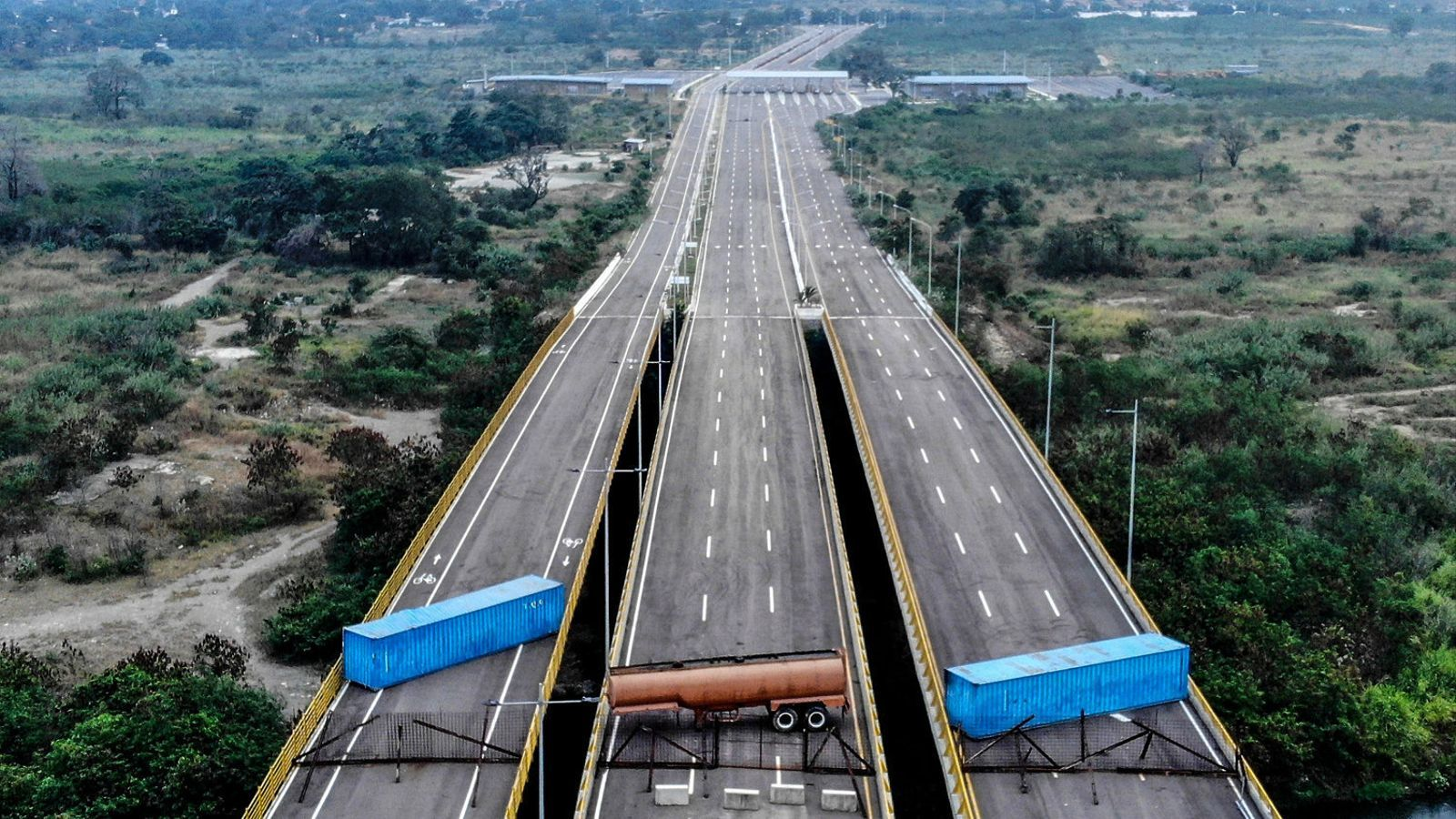 Maduro bloqueja l'ajuda humanitària