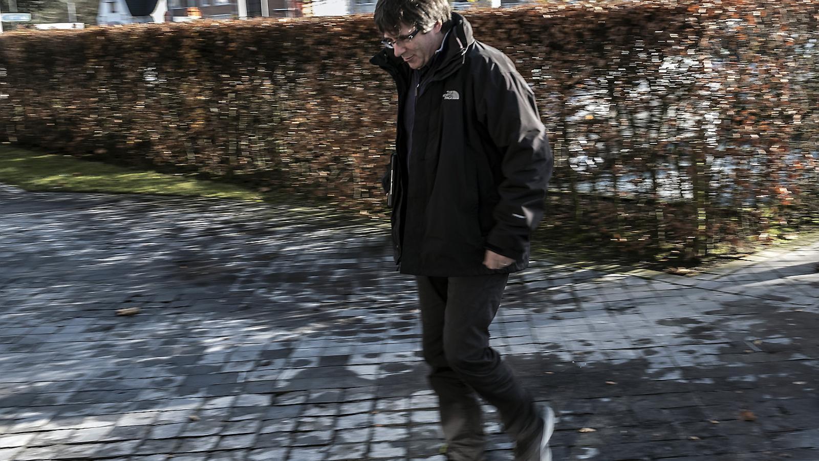 Una cita gairebé clandestina amb  el president en un poblet de Flandes