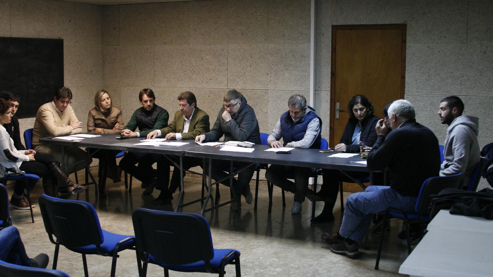 El consistori ha aprovat per unanimitat el nou programa de reciclatge municipal.