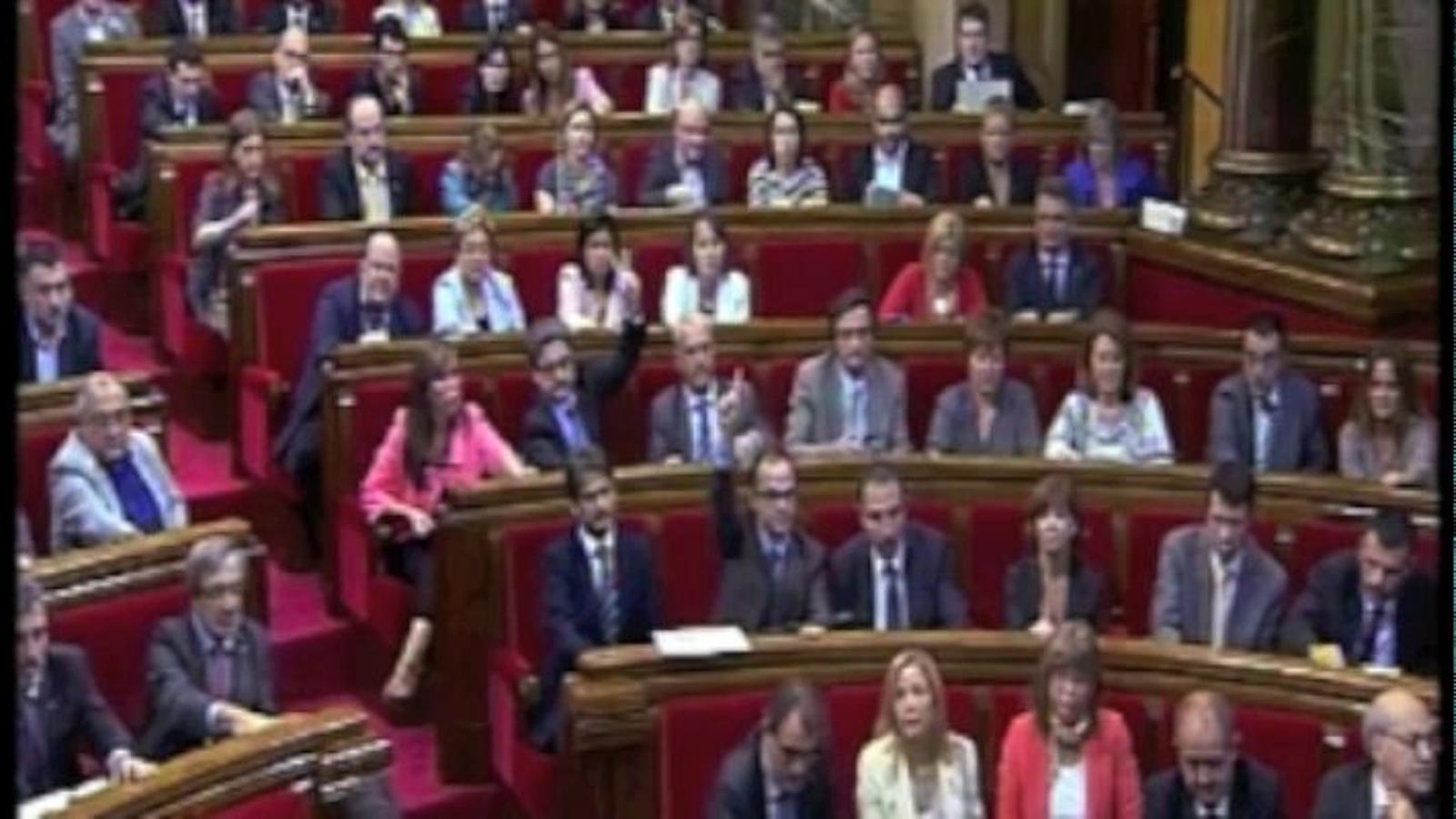 El Parlament aprova que Catalunya faci una consulta d'autodeterminació