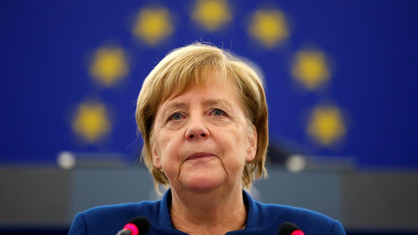 La cancellera alemanya, Angela Merkel, davant del ple del Parlament europeu a Estrasburg.