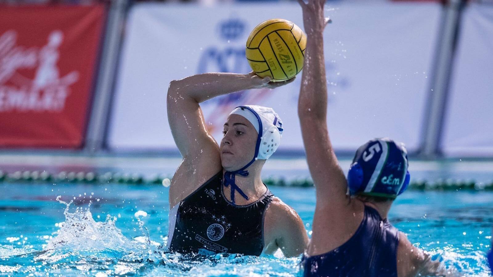 El CN Sabadell, indignat amb la Federació per donar el títol de Lliga de waterpolo femení al Mataró