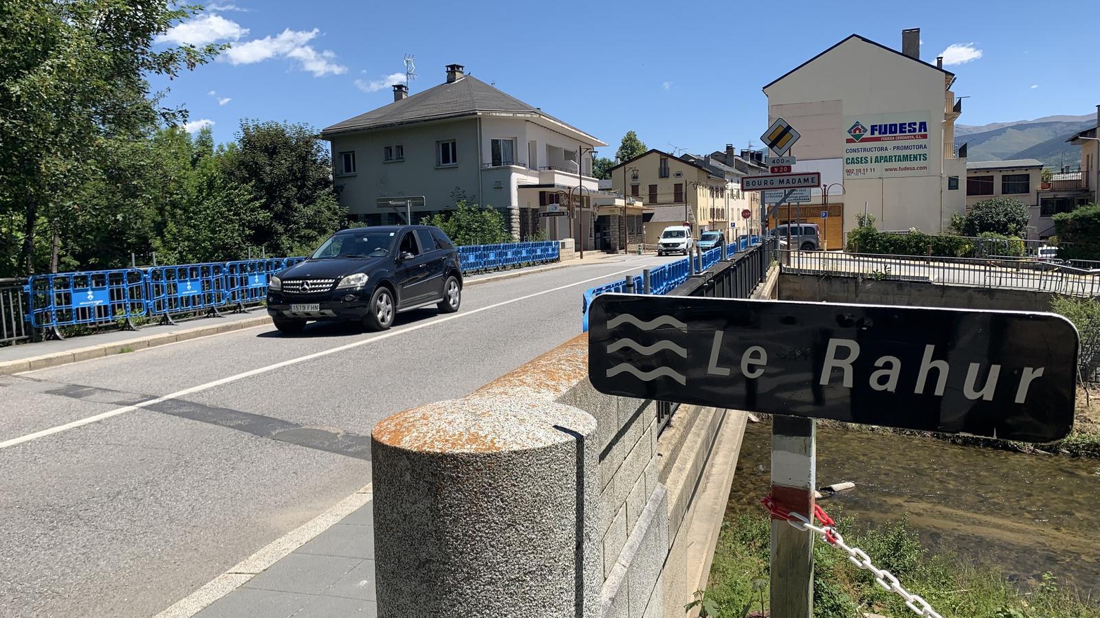 Punt fronterer entre Puigcerdà i la Guingueta d'Ix. / G.L.T.