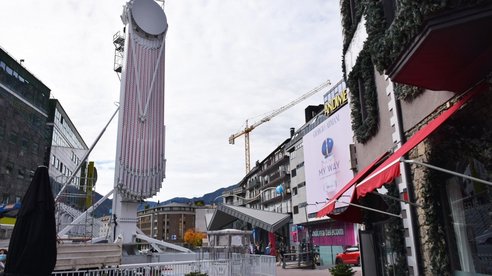 Una nòria de 27 metres d'alçada serà el gran atractiu del Poblet de Nadal / MP