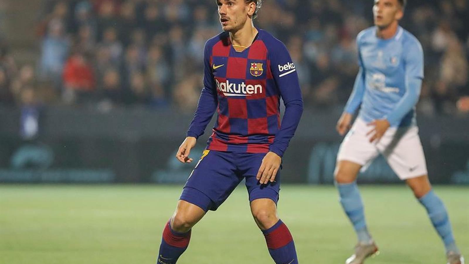 Griezmann durant una situació defensiva del partit de Copa del Barça