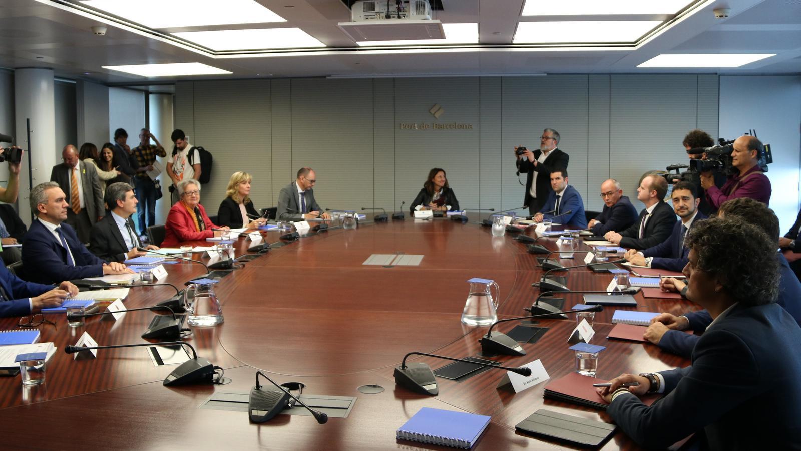Inici de la reunió de la comissió bilateral d'Infraestructures entre Estat i Generalitat