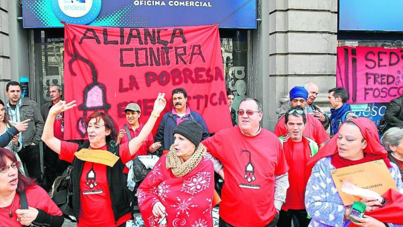 La generalitat buscar noves f rmules quan el govern for Oficinas endesa barcelona