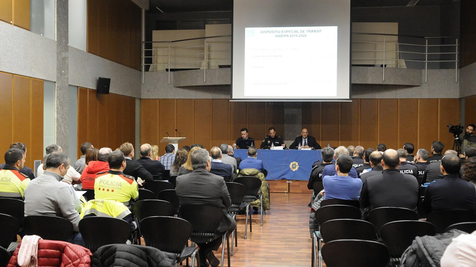 La Taula Nacional de Mobilitat durant la reunió mantinguda aquest dimarts. / SFG