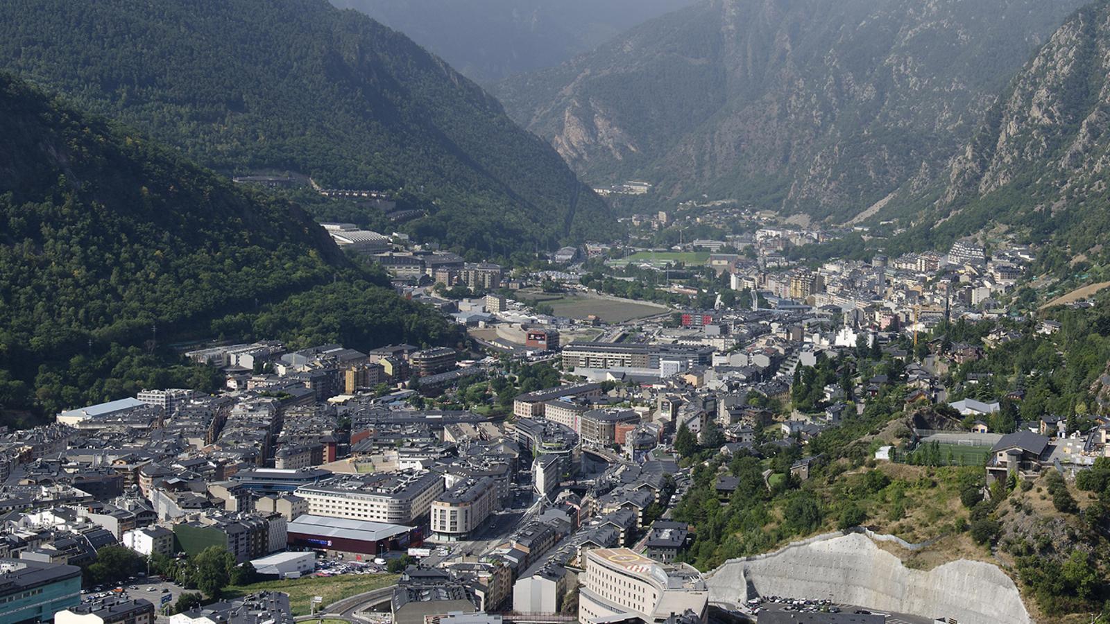 Vista aèria d'Andorra la Vella i Escaldes-Engordany. / ARXIU ANA